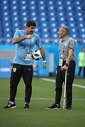 ROSTOV-ON-DON, June 19, 2018  Uruguay's head coach Oscar Tabarez (R) attends a training session prior to a Group A match against Saudi Arabia at the 2018 FIFA World Cup in Rostov-on-Don, Russia, on June 19, 2018. (Credit Image: © Li Ming/Xinhua via ZUMA Wire)