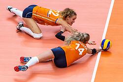 03-10-2018 NED: World Championship Volleyball Women day 5, Yokohama<br /> Argentina - Netherlands 0-3 / Nicole Koolhaas #22 of Netherlands, Laura Dijkema #14 of Netherlands