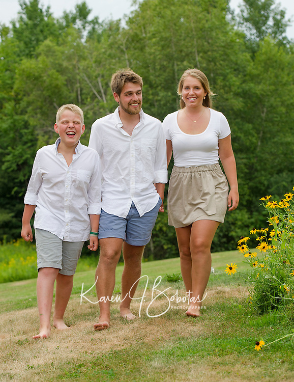 Czerwinski family portrait session.<br /> ©2016 Karen Bobotas Photographer