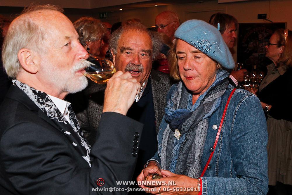 NLD/Amsterdam/20100910 - Paul van Vliet viert 75ste verjaardag met vrienden, Eli Asser en partner