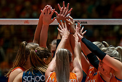 29-05-2019 NED: Volleyball Nations League Netherlands - Bulgaria, Apeldoorn<br /> /Netherlands celebrate, yell hands