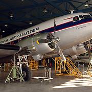 NLD/Amsterdam/20051208 - Oude Dakota DC 3 uit 1943 eigendom van de Dutch Dacota Association, DDA, vroeger van Prins Bernhard geweest