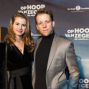 NLD/Zaandam/20190128- première musical Op Hoop van Zegen, Rick Sessink met zijn vriendin