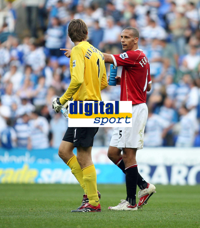 Photo: Chris Ratcliffe.<br />Reading v Manchester United. The Barclays Premiership. 23/09/2006.<br />Rio Ferdinand and Edwin Van Der Sar of Man Utd have a chat.