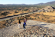 MEXICO, TEOTIHUACAN Pyramid of Sun, Pyramid of Moon beyond