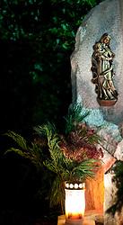 01.11.2010, Freidhof, Kaprun, AUT, Allerheiligen, im Bild ein Grabstein mit einer Kerze, EXPA Pictures © 2010, PhotoCredit: EXPA/ J. Feichter