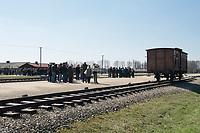 09 APR 2012, KRAKOW/POLAND:<br /> Besuchergruppen und ein Viehwaggon an der Selektionsrampe, Staatliches polnisches Museum / Gedenkstaette des ehem. Konzentrationslager Ausschitz-Birkenau<br /> IMAGE: 20120409-01-020<br /> KEYWORDS: Krakau, KZ, Vernichtungslagers Auschwitz II–Birkenau, Polen
