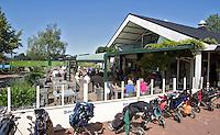 MOLENSCHOT - Clubhuis met terras, Golfclub Princenbosch. Copyright Koen Suyk