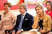 Koningin Máxima woonde het 7500ste door de Stichting Muziek in Huis georganiseerde concert bij, in woonzorgcentrum De Bolder.<br /> <br /> Queen Máxima attended the 7500ste organized by the Music Foundation House concert in nursing home De Bolder.<br /> <br /> op de foto / On the photo:  Koningin Maxima bij het concert, gegeven door pianoduo Daniël Wayenberg (84) en Martin Oei (18).<br /> <br /> Queen Maxima at the concert given by piano duo Daniel Wayenberg (84) and Martin Oei (18).