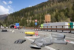 """07.05.2016, Grenzübergang, Brenner, ITA, Demonstration gegen Grenzsicherungsmaßnahmen am Brenner. Linksaktivisten rufen unter dem Motto """"Tag des Kampfes"""" zur Demonstration am Brenner auf, im Bild Sperre der Bernnerautobahn nach den schweren Ausschreitungen // Left activists call under the slogan """"Day of the Fight"""" to Demonstration at the border """"Brenner"""". The demonstration is directed against the planned border security measures at the border from Italy to Austria, The Brenner Pass is one of the most important border crossings in Europe. Brenner, Italy on 2016/05/07. EXPA Pictures © 2016, PhotoCredit: EXPA/ Johann Groder"""