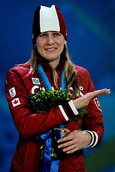 14-02-2010 ALGEMEEN: OLYMPISCHE SPELEN: CEREMONIE: VANCOUVER<br /> Ceremonie 3000 meter schaatsen / Brons voor Kristina Groves CAN<br /> ©2010-WWW.FOTOHOOGENDOORN.NL