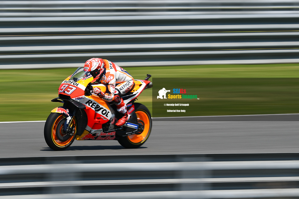 BURIRAM, THAILAND - OCTOBER 06: Marc Marquez (93) of Spain and Repsol Honda Team on the straightaway to Turn 4 during FP3 at the MotoGP PTT Thailand Grand Prix 2018, Chang International Circuit, Buriram, Thailand on October 06, 2018. <br /> .<br /> .<br /> .<br /> (Photo by: Naratip Golf Srisupab/SEALs Sports Images)<br /> .<br /> Any image use must include a mandatory credit line adjacent to the content which should read: Naratip Golf Srisupab/SEALs Sports Images