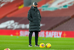 LIVERPOOL, ENGLAND - Sunday, December 27, 2020: Liverpool's manager Jürgen Klopp during the pre-match warm-up before the FA Premier League match between Liverpool FC and West Bromwich Albion FC at Anfield. The game ended in a 1-1 draw. (Pic by David Rawcliffe/Propaganda)