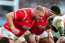 Samson Lee of Wales prepares to scrummage against his opposite number - Mandatory byline: Patrick Khachfe/JMP - 07966 386802 - 12/03/2016 - RUGBY UNION - Twickenham Stadium - London, England - England v Wales - RBS Six Nations.