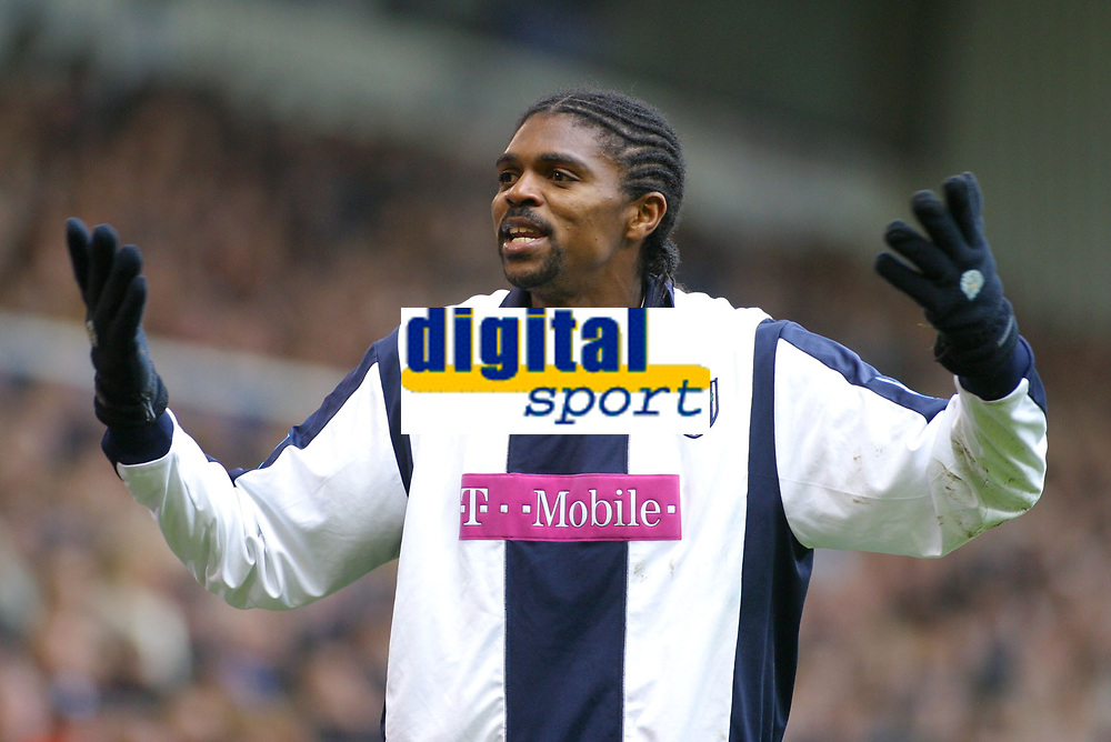 Photo: Dave Linney.<br />West Bromwich Albion v Aston Villa. The Barclays Premiership. 02/01/2006 West Brom's Kanu appeals against an offside decision.
