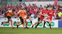 Scarlets Scott Williams<br /> <br /> Photographer Mike Jones/Replay Images<br /> <br /> Guinness PRO14 Round 22 - Scarlets v Cheetahs - Saturday 5th May 2018 - Parc Y Scarlets - Llanelli<br /> <br /> World Copyright © Replay Images . All rights reserved. info@replayimages.co.uk - http://replayimages.co.uk
