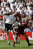 Fotball<br /> Euro 2004<br /> Portugal<br /> 19. juni 2004<br /> Foto: Dppii/Digitalsport<br /> NORWAY ONLY<br /> Tyskland v Latvia 0-0<br /> DIETMAR HAMANN(GER) /ANDREJS PROHORENKOVS (LAT)