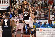 DESCRIZIONE : Pistoia Lega serie A 2013/14 Giorgio Tesi Group Pistoia Acea Roma<br /> GIOCATORE : Trevor Mbakwe<br /> CATEGORIA : Controcampo Rimbalzo Curiosita<br /> SQUADRA : Acea Roma<br /> EVENTO : Campionato Lega Serie A 2013-2014<br /> GARA : Giorgio Tesi Group Pistoia Acea Roma<br /> DATA : 29/12/2013<br /> SPORT : Pallacanestro<br /> AUTORE : Agenzia Ciamillo-Castoria/GiulioCiamillo<br /> Galleria : Lega Seria A 2013-2014<br /> Fotonotizia : Pistoia Lega serie A 2013/14 Giorgio Tesi Group Pistoia Acea Roma<br /> Predefinita :