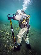 Diver in US Navy Mark-V helmet at Dutch Springs, Scuba Diving Resort in Bethlehem, Pennsylvania