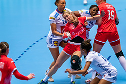 Kseniia Makeeva of Russia, Beatrice Edwige of France, Grace Zaadi Deuna of France in action during the Women's EHF Euro 2020 match between France and Russia at Jyske Bank BOXEN on december 11, 2020 in Kolding, Denmark (Photo by RHF Agency/Ronald Hoogendoorn)