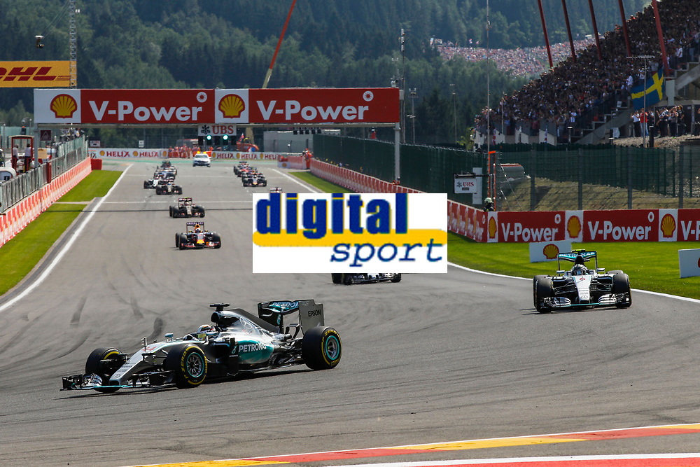HAMILTON lewis (gbr) mercedes gp mgp w06, ROSBERG nico (ger) mercedes gp mgp w06 action during the 2015 Formula One World Championship, Belgium Grand Prix from August 20 to 23th 2015, in Spa-Francorchamps, Belgium. Photo Florent Gooden / DPPI
