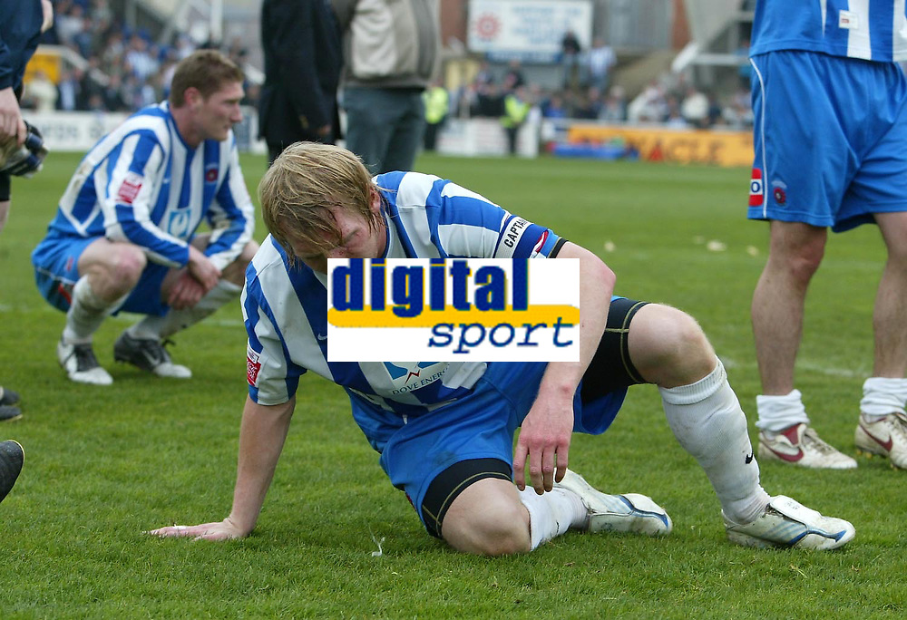 Photo: Andrew Unwin.<br />Hartlepool United v Port Vale. Coca Cola League 1. 06/05/2006.<br />Hartlepool's captain, Ritchie Humphreys, is dejected as his team are relegated.