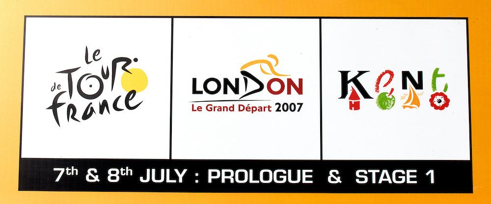Banner outside Queen Elizabeth 2 Conference Centre, London, at announcement of 2007 Tour de France Prologue and Stage 1 route details.