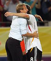 Schlussjubel Bundestrainer Juergen Klinsmann, Torsten Frings<br /> Fussball WM 2006 Deutschland - Polen<br /> Tyskland - Polen<br /> Norway only
