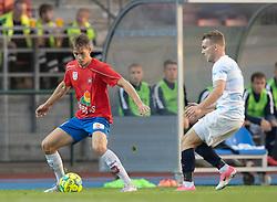 Marcus Lindberg (Hvidovre IF) og Anders Holst (FC Helsingør) under kampen i 1. Division mellem Hvidovre IF og FC Helsingør den 15. september 2020 på Pro Ventilation Arena, Hvidovre Stadion (Foto: Claus Birch).