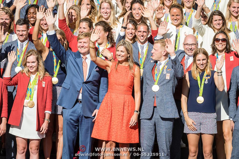 NLD/Den Haag/20160824 - Huldiging sporters Rio 2016, Willem - Alexander en Maxima en alle sporters