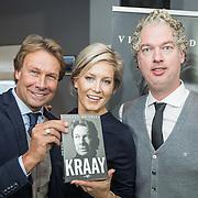 NLD/Lienden20161025 - Boekpresentatie Hans Kraay, Hans en partner Sofie Nuijten en schrijver Vincent de Vries