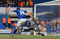 Photo: Ashley Pickering.<br /> Ipswich Town v Wolverhamptopn Wanderers. Coca Cola Championship. 27/10/2007.<br /> Alan Lee of Ipswich (L) beats Wolves goalie Wayne Hennessey to score the first goal