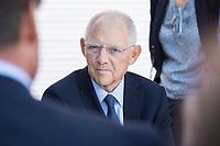 27 AUG 2017, BERLIN/GERMANY:<br /> Wolfgang Schaeuble, CDU, Bundesfinanzminister, im Gespraech mit Buergern, Tag der offenen Tuer, Bundesministerium der Finanzen, BMF<br /> IMAGE: 20170827-01-049<br /> KEYWORDS: Tag der offenen Tür, Wolfgang Schäuble