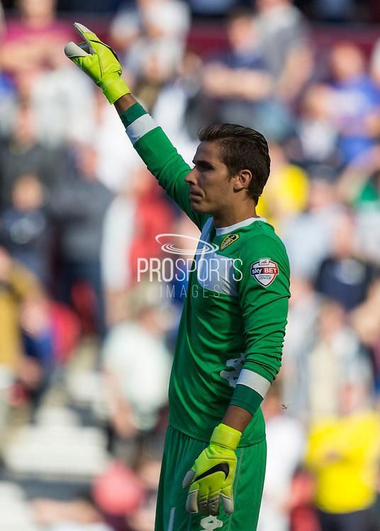 Leeds United FC goalkeeper Marco Silvestri   during the Sky Bet Championship match between Middlesbrough and Leeds United at the Riverside Stadium, Middlesbrough, England on 27 September 2015. Photo by George Ledger.