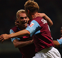 Fotball<br /> England 2004/2005<br /> Foto: SBI/Digitalsport<br /> NORWAY ONLY<br /> <br /> West Ham United V Reading FC  <br /> 10/08/2004<br /> <br /> West Ham United's Luke Chadwick celebrates with goal scorer Teddy Sheringham