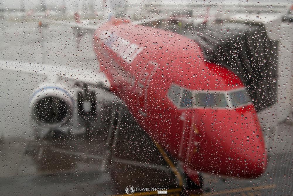 A Virgin Blue 737 at Charles Kingford Smith Airport, Sydney, Australia