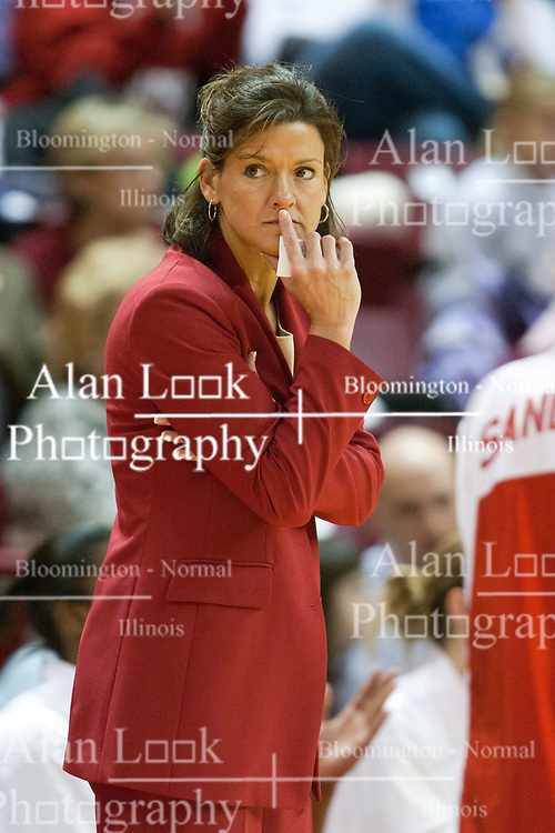20 February 2005<br /> <br /> Coach Robin Pingeton.<br /> <br /> Illinois State University Redbirds V Bradley University Braves Womens NCAA Division 1AA Missouri Valley Conference Basketball.  Redbird Arena, Illinois State University, Normal IL