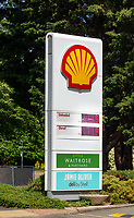 tescos drops petrol price in stratford upon avon to .99.9p while shell keeps its price at £104.9
