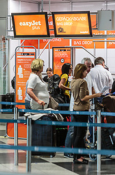 THEMENBILD - Check In von Easy Jet am Flughafen Muenchen, Deutschland, aufgenommen am 06.06.2015 // Check i of Easy Jet at Airport Munich, Germany on 2015/06/06. EXPA Pictures © 2015, PhotoCredit: EXPA/ JFK