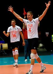 22-09-2013 VOLLEYBAL: EK MANNEN NEDERLAND - SLOVENIE: HERNING<br /> Nederland wint met 3-1 van Slovenie en plaatst zich voor de volgende ronde / (L-R) Robin Overbeeke, Thijs ter Horst<br /> ©2013-FotoHoogendoorn.nl<br />  / SPORTIDA