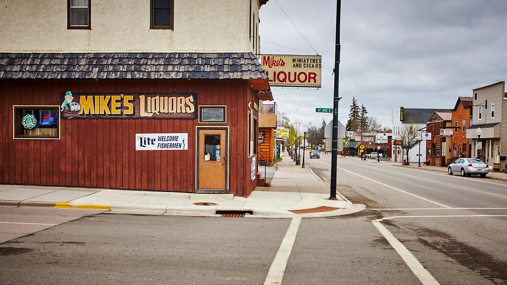 Mike's Liquor, Ely, Minnesota, 2015