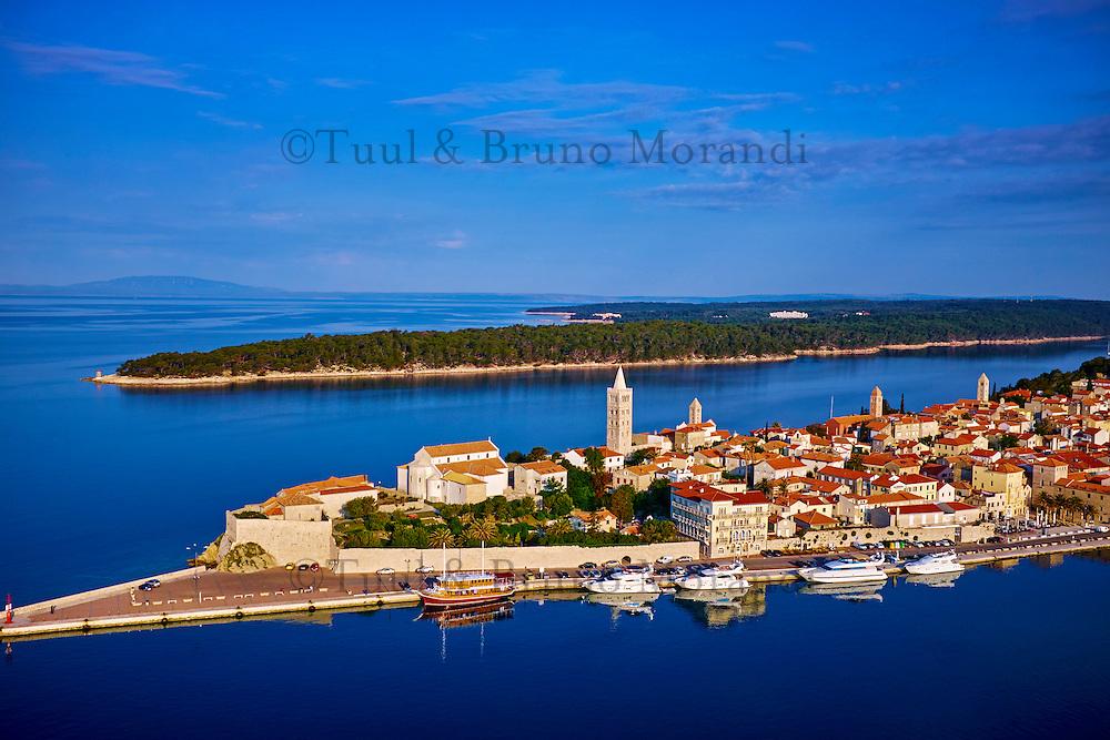 Croatie, baie de Kvarner, Ile et ville de Rab, vieux port // Croatia, Kvarner bay, island and city of Rab, old harbour