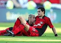 Fotball<br /> Bundesliga Tyskland<br /> Foto: Witters/Digitalsport<br /> NORWAY ONLY<br /> <br /> 09.09.2006<br /> v.l. Sergej Barbarez, Ahmed Madouni<br /> Fussball Bayer 04 Leverkusen