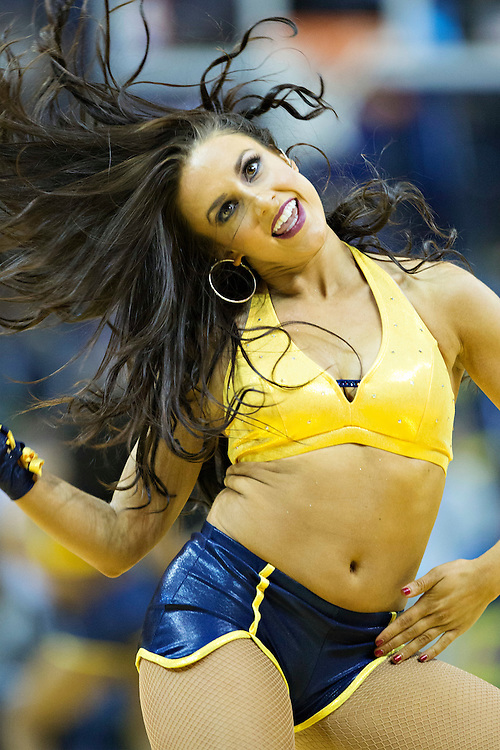 MEMPHIS, TN - JANUARY 10:  Grizz Girls of the Memphis Grizzlies perform during a game against the Boston Celtics at the FedExForum on January 10, 2016 in Memphis, Tennessee.  The Grizzlies defeated the Celtics 101-98.  NOTE TO USER: User expressly acknowledges and agrees that, by downloading and or using this photograph, User is consenting to the terms and conditions of the Getty Images License Agreement.  (Photo by Wesley Hitt/Getty Images) *** Local Caption ***