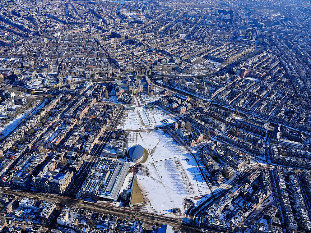 Nederland, Noord-Holland, Amsterdam, 13-02-2021; Museumplein onder de sneeuw en in de winter, gezien naar Rijksmuseum en grachtengordel.<br /> Museumplein under the snow and in winter.<br /> luchtfoto (toeslag op standaard tarieven);<br /> aerial photo (additional fee required)<br /> copyright © 2021 foto/photo Siebe Swart
