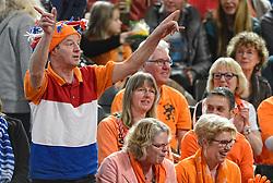 08-02-2015 NED: Fed Cup Nederland - Slowakije, Apeldoorn<br /> Publiek, support Oranje