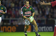 Leicester, Welford Road, Leicestershire, 30/09/2001,          Austin Healey, during the,  Heineken Cup, match, Leicester Tigers vs Llanelli, Heineken Cup,<br /> [Mandatory Credit: Peter Spurrier/Intersport Images],<br /> Leicester Tigers v Llanelli Euro Cup  <br /> 29/9/01