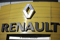 May 27, 2019 - SãO Paulo, Brazil - SÃO PAULO, SP - 27.05.2019: FIAT E RENAULT PODEM SE JUNTAR - Renault logo is seen in the company's concensionaire in the south of the capital of São Paulo on the afternof this Monday (27). The company is studyingying merger proposal with Fiat Chrysler Automobiles (FCA) (Credit Image: © Bruno Rocha/Fotoarena via ZUMA Press)