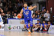 DESCRIZIONE : Beko Legabasket Serie A 2015- 2016 Dinamo Banco di Sardegna Sassari - Enel Brindisi<br /> GIOCATORE : Scottie Reynolds<br /> CATEGORIA : Palleggio Controcampo<br /> SQUADRA : Enel Brindisi<br /> EVENTO : Beko Legabasket Serie A 2015-2016<br /> GARA : Dinamo Banco di Sardegna Sassari - Enel Brindisi<br /> DATA : 18/10/2015<br /> SPORT : Pallacanestro <br /> AUTORE : Agenzia Ciamillo-Castoria/C.Atzori