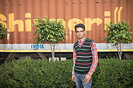 Trafic d'épouse 11032019. Haryana. Biwhat district. Village. Salim Khan, le relais local d'Empower People, les aide à s'organiser. Toujours tiré à quatre épingles, les traits impassibles derrière des lunettes rectangulaires, ce notable de 28 ans est connu comme le loup blanc à Mewat. Salim Khan a été l'un des premiers à s'ériger contre le trafic des épouses, dont il est témoin depuis l'enfance. Son père a longtemps siégé au panchayat, l'assemblée rurale chargée des affaires courantes. « Les 'paros' venaient le voir pour lui faire part de leur problème », se souvient-il. Son engagement lui vaut encore aujourd'hui des menaces. « J'entends souvent : 'Quitte ce boulot et arrête d'aider ces femmes, ou il va t'arriver des problèmes', sourit-il. Même dans ma famille, on m'a dit que j'étais fou. »